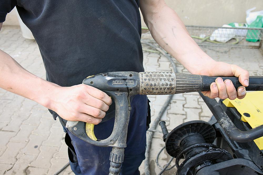 Hete schoonmaker - Duurtest Kärcher heetwater reiniger (4)