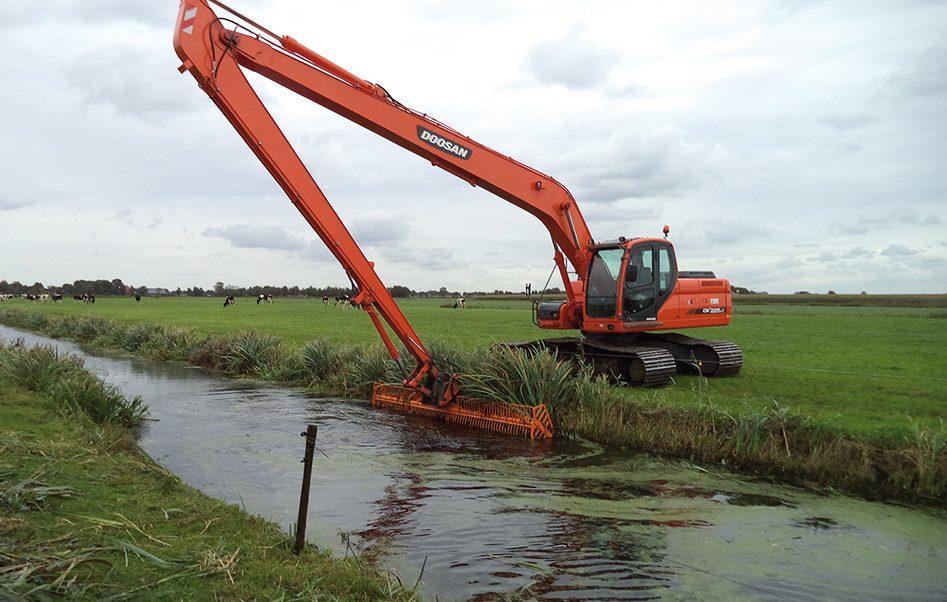 Op de dam bij Landreus Machines Beilen (7)
