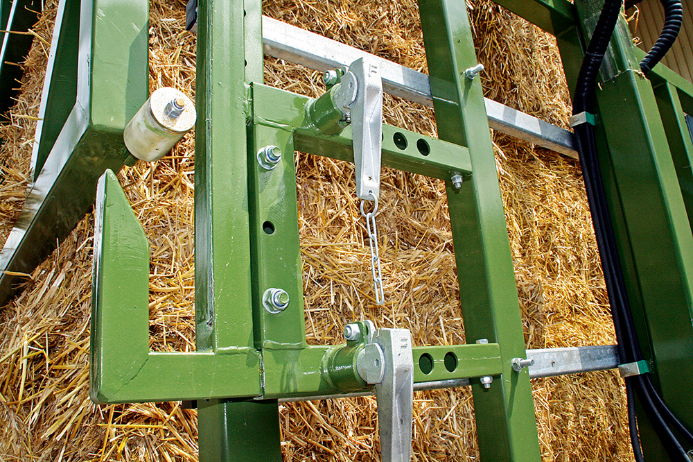 Fliegl balentransportwagen - enkel opgeklapt in plaats van dubbel gesjord - Agri Trader testrapport (4)