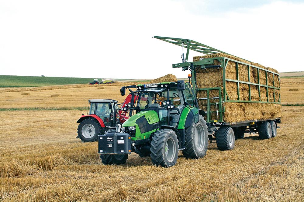 Fliegl balentransportwagen – enkel opgeklapt in plaats van dubbel gesjord