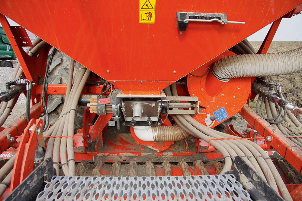 Kuhn Combiliner Venta pneumatische zaaimachine getest - Agri Trader (5)