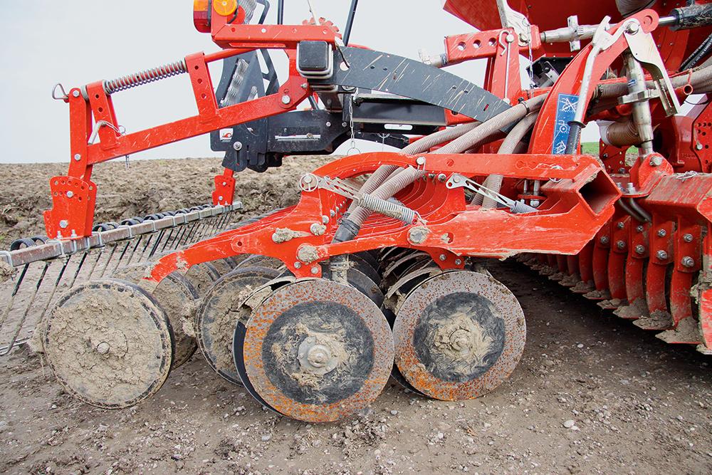 Kuhn Combiliner Venta pneumatische zaaimachine getest - Agri Trader (9)