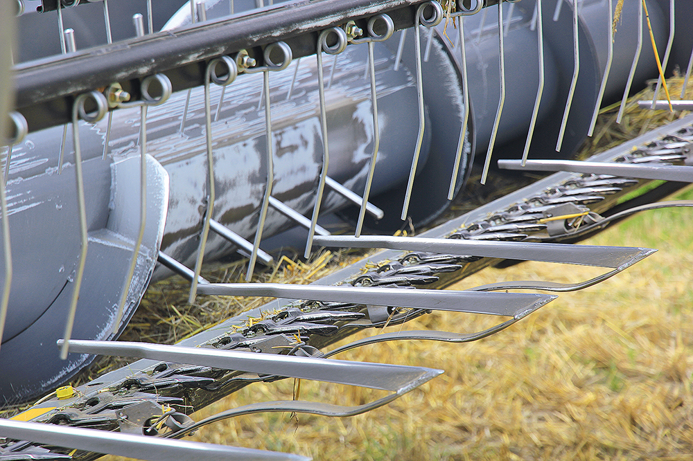 Rostselmash Vector 420 - Kleine maaidorser met grote trommel - Agri Trader (12)