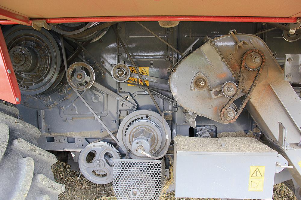 Rostselmash Vector 420 - Kleine maaidorser met grote trommel - Agri Trader (14)