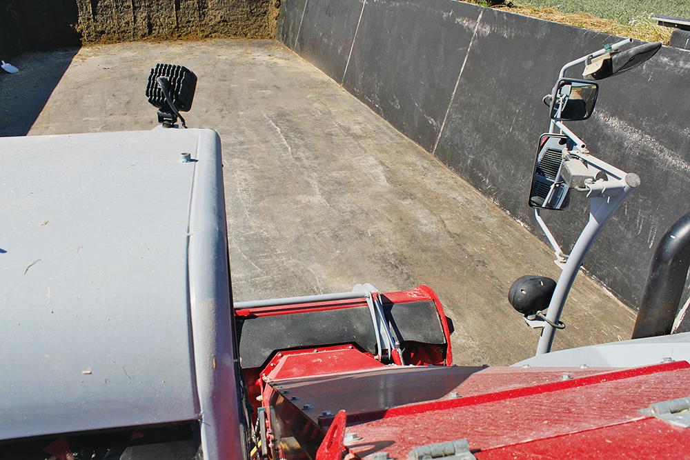 Kleine menger, grote ambities - Rijtest BvL MaximusPlus - Agri Trader (9)