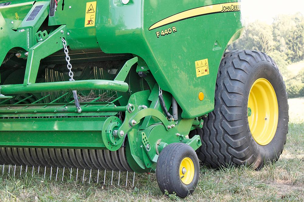 John Deere Multipers F 440 R - Agri Trader rijtest (2)