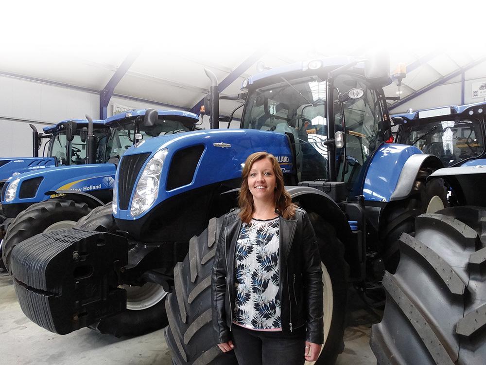 Gerda van Ommen H. Witteveen Mechanisatie B.V. in Wenum-Wiesel Agri Trader