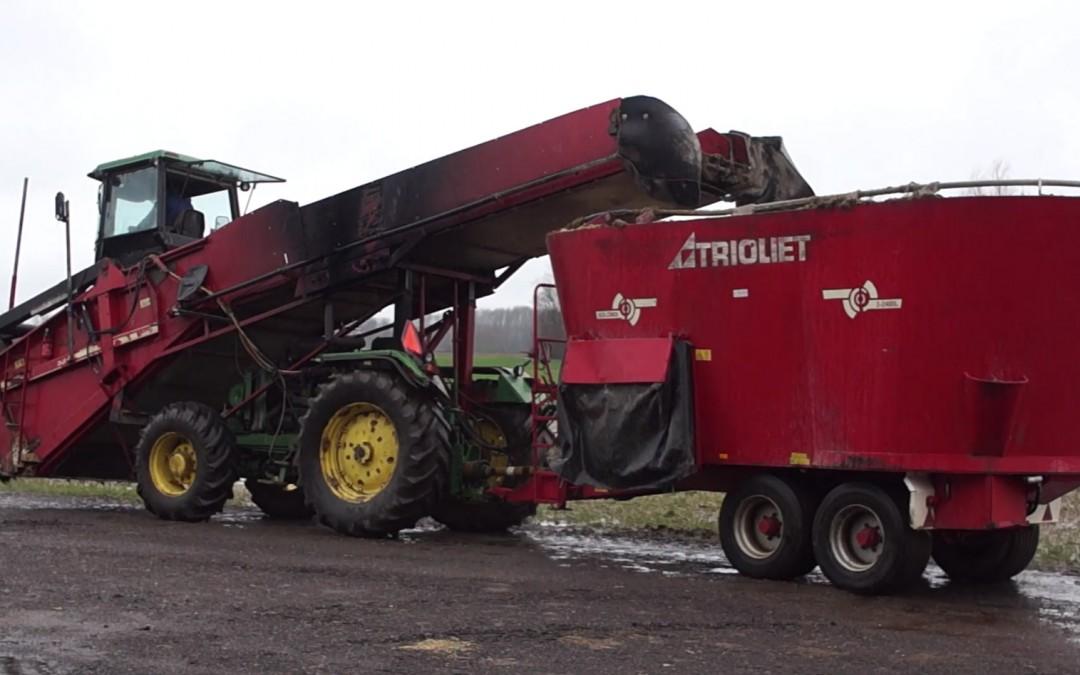 """Bob de Bouwer zelfrijdende voermengwagen  """"scoop"""" – AgriTraderTV #23"""
