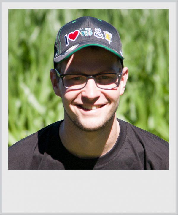 Cap-zwart-I-love-tractors-bier-met-bierfles-opener-2016