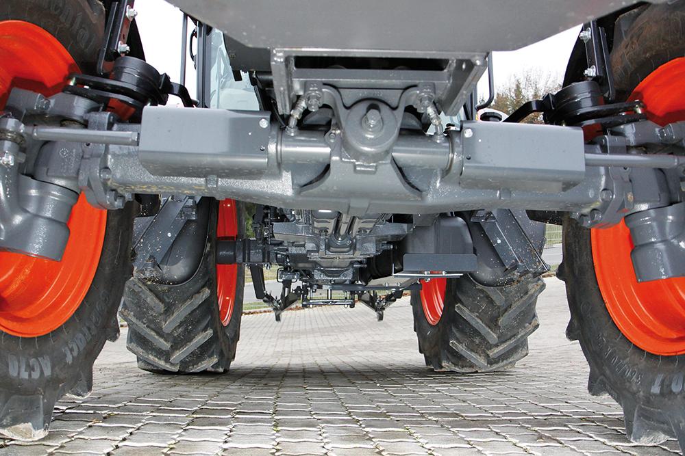 compact-krachtig-kubota-de-kubota-m9960-getest-6