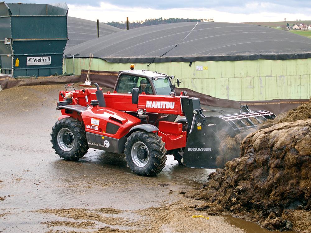 De-rode-buffel-van-Manitou-Agri-Trader-Test-Jaarboek-2.jpg