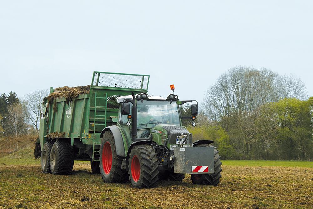 Fendt Vario 200 rijtest - 110pk uit drie cilinders - Agri Trader Test Jaarboek - (2)