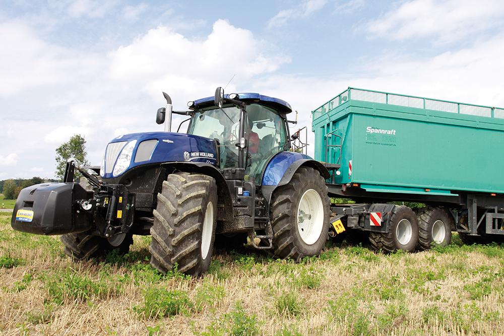 New Holland T7 rijtest – Een blauwe reus