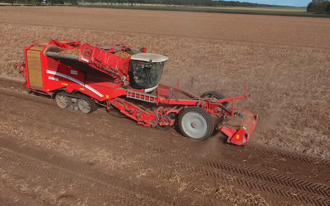 Aardappels rooien met een Grimme Varitron – AgriTraderTV #einde